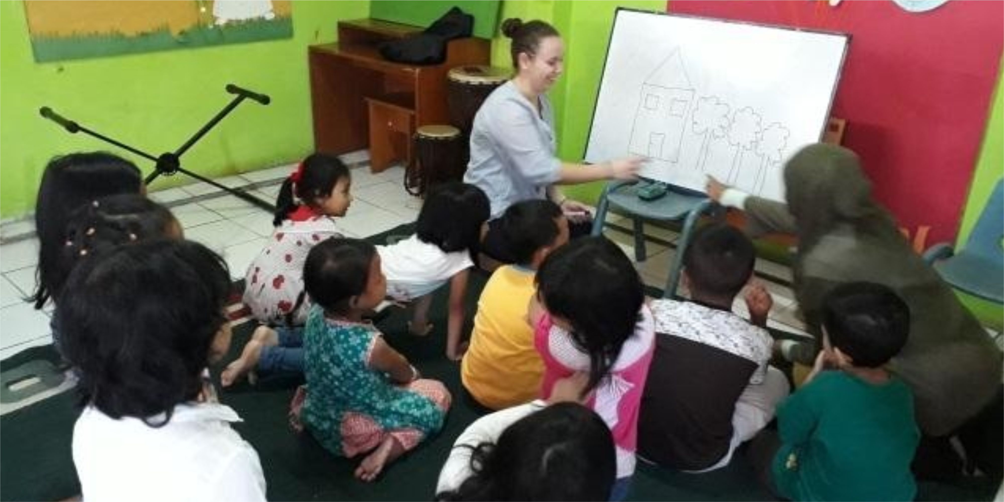Teaching Kindergaten Kids in Bandung